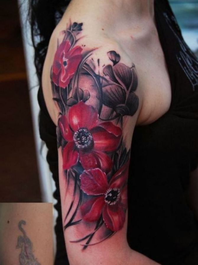 Flowers Tattoo on Hand - 20+ Sleeve Tattoos for Women <3 <3