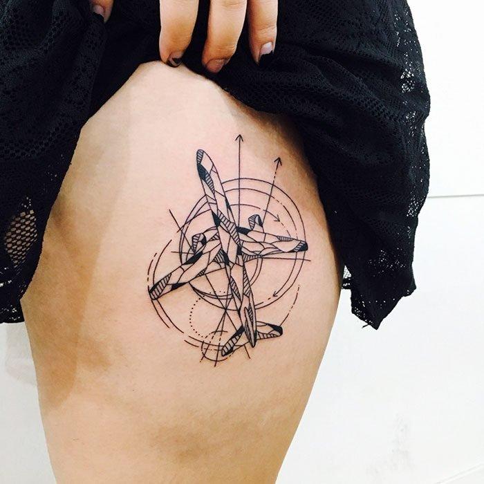 tatuaje de avión